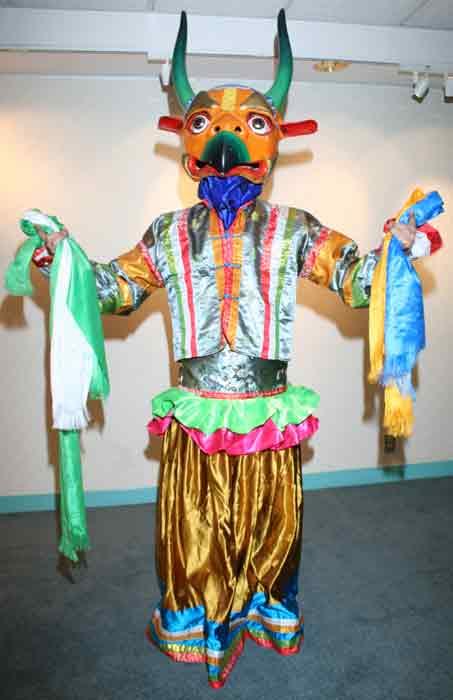 Mongolian artwork, handicraft - traditional dance masks of ...